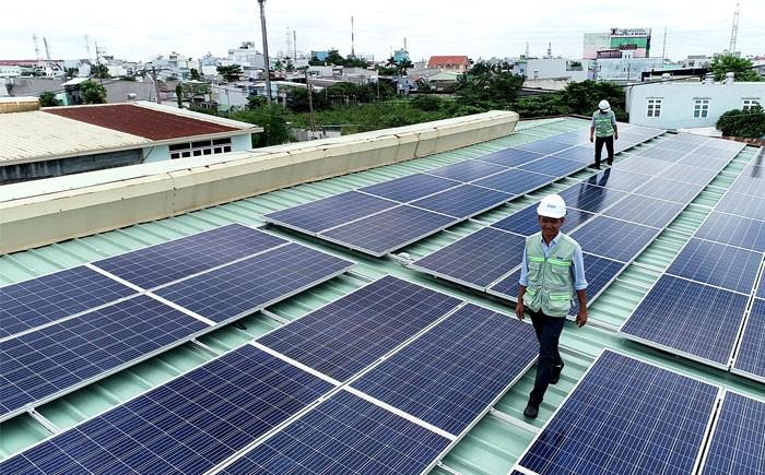 Pin năng lượng mặt trời Nhật Bản